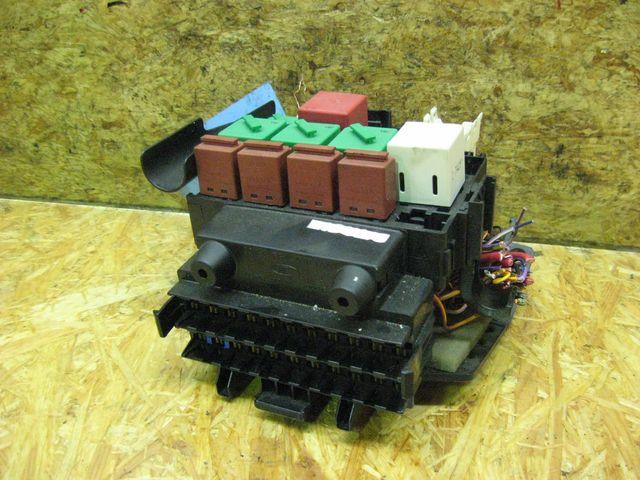 sicherungskasten aus ford ka rb bei gebrauchte autoteile. Black Bedroom Furniture Sets. Home Design Ideas