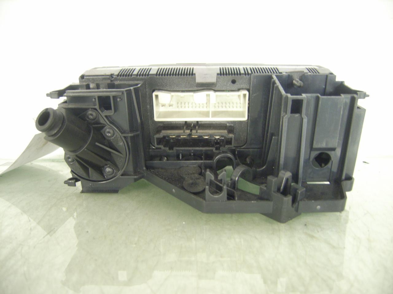 Heizungsregler aus VW PASSAT (3C2)