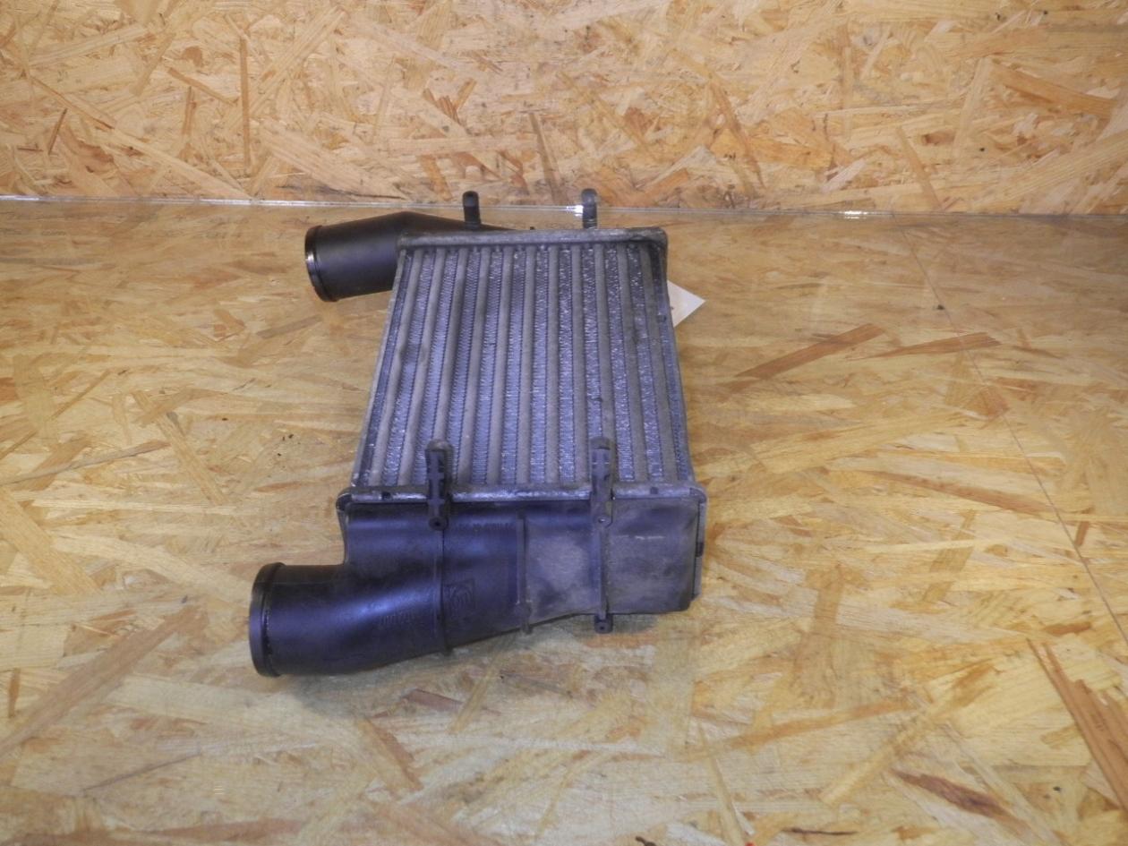 Ladeluftkühler aus Audi A4 Avant (8D5, B5)